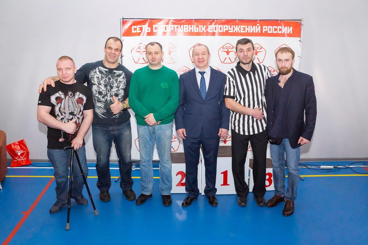 """Denis Cyplenkov, Kote Ramadze, Alex Mundzhishvili - referee, Dima Kok at """"CCCP Armwrestling Championships 2016"""""""