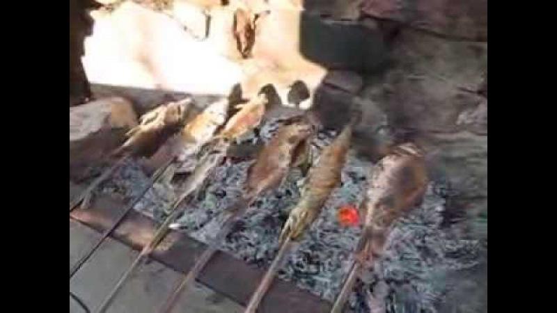 Семья Бровченко. Запекаем рыбу на костре. Рецепт.