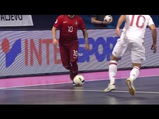 Ricardinho scores another amazing goal at Futsal EURO