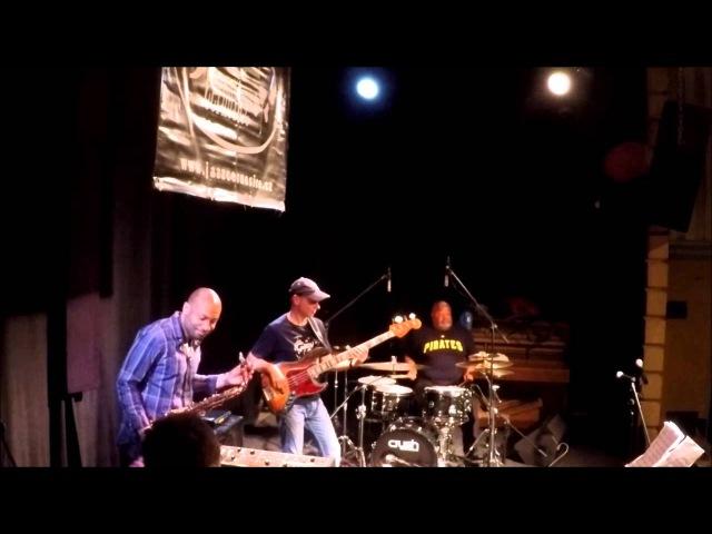 Juraj Griglak Company feat.Bobby Sparks,Poogie Bell,Chris Hemingway