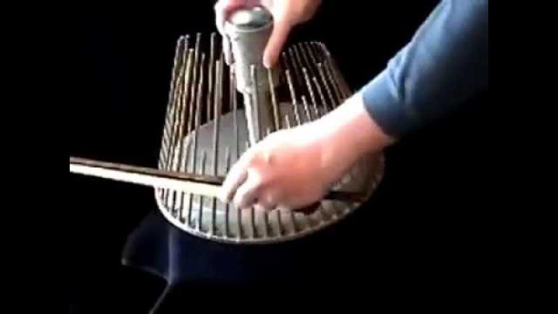 Инструмент, который издаёт звуки как в фильмах ужасов