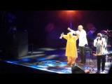 Halit Ergenc and Omara Portuondo singing Candela dancing together