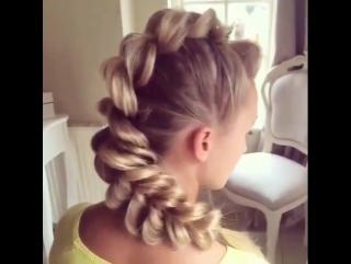 Плетение кос. Красивая прическа