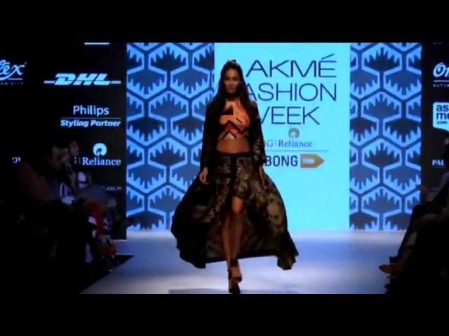 Лиза Хейдон, Гаухар Кхан, Нимрат Каур и другие на Lakme Fashion Week Winter/Festive 2015