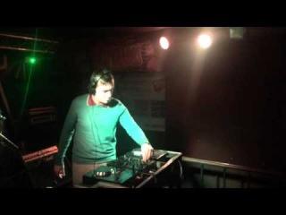 Vin Kellis live NIRVANA 10-09-15 short version