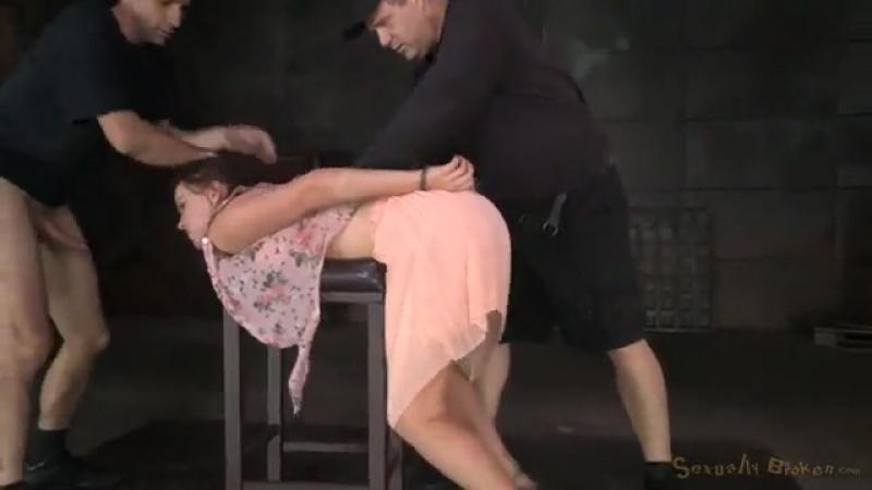 Бедную девушку связали, жестко выебли в рот, а затем оттрахали вдвоем (bdsm, бдсм, принуждение, связывание, минет, мжм, жестко)