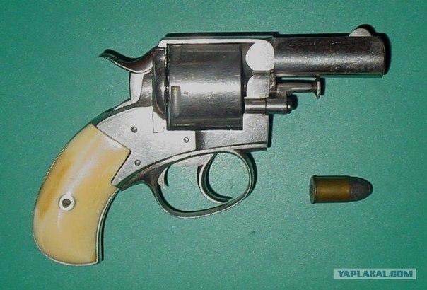 револьвер «Бульдог».