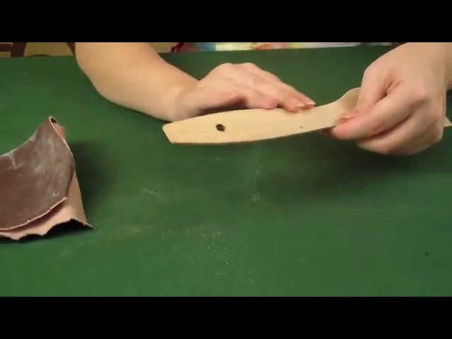 Готовим грунтовку из крахмала шлифуем и грунтуем деревянную заготовку