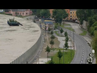 The mobile-bearing walls for Flooding in Austria 3/06/2013