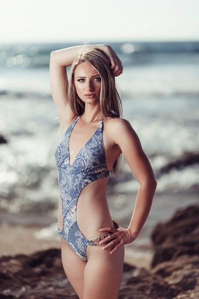 Юлия Романовская-Абрамович