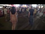 gwenc nude in public barcelona 03