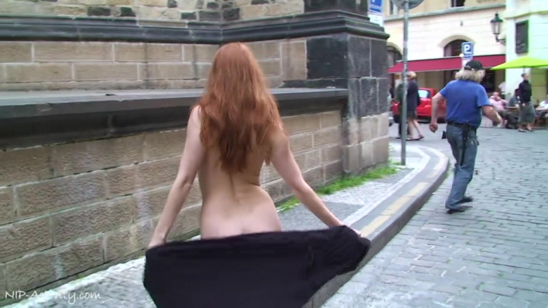 Denisa Nude in Public 5
