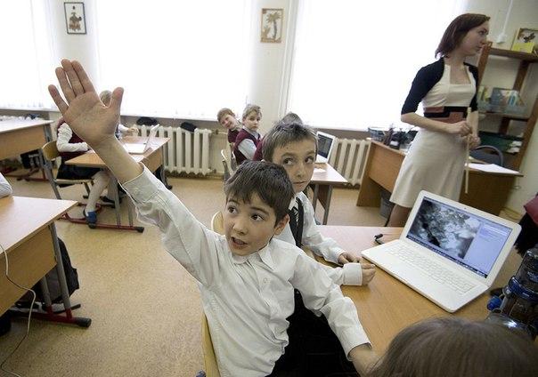 Школьники Казахстана будут учиться пять дней.