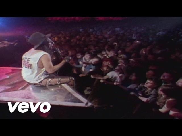Alice Cooper - Spark in the Dark (from Alice Cooper: Trashes The World)