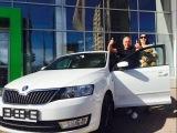 Александр и Светлана Русских получают свой первый автомобиль по программе