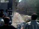 Сирия Шальная пуля попадает демонстранту в паховую область пригород Дамаска Арбин 2011