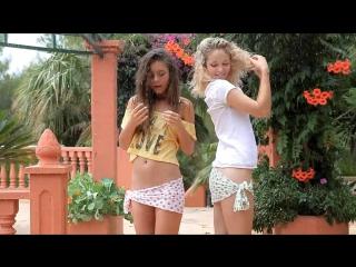 Guerlain Madonna - Summer Rain WowGirls two hot girls nastik kitsan blond секс эротика sex erotica мокрые девушки голые стриптиз