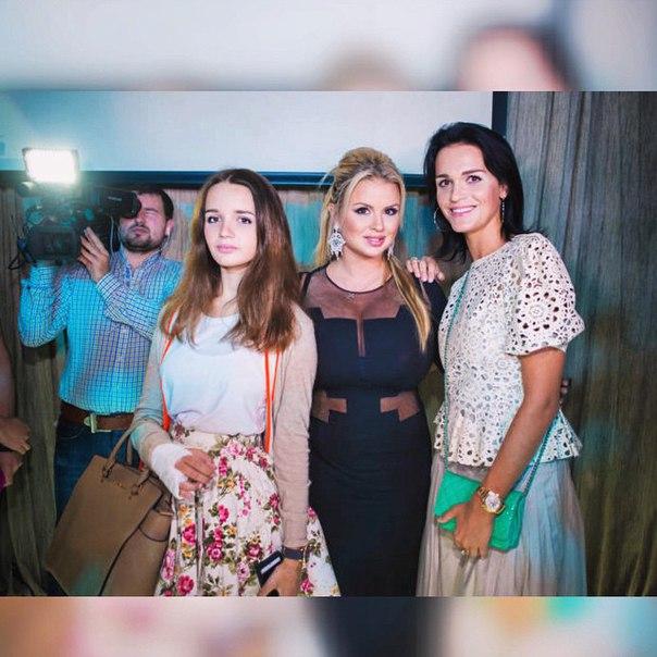 8dgLVUB7HFY - Красивые дочки российских знаменитостей (фото)