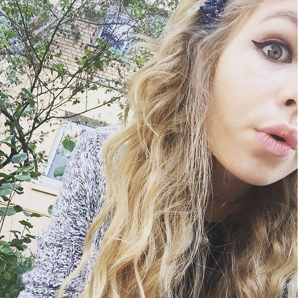 X1UxwMTZQJg - Красивые дочки российских знаменитостей (фото)