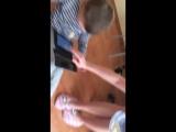 Как надо приучать детей есть кашу))