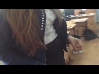 Задрал юбку однокласснице фото фото 219-940