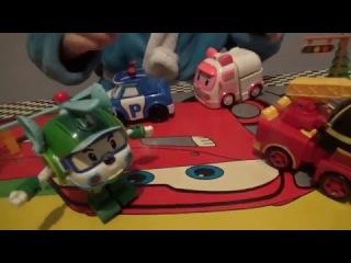 Пластмассовые машинки, трансформеры из мультфильма робокар полли.