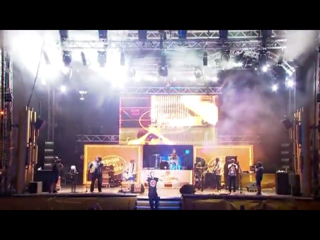 ZDOB SI ZDUB LIVE @ Zilele Prieteniei Bergenbier, Craiova 2015 - Om cu inima de lemn » Freewka.com - Смотреть онлайн в хорощем качестве