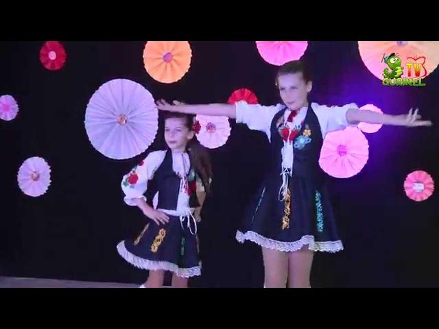 Evelina si Emilia Salaru - Sunt o mindra ca o floare (Do-Re-Micii)