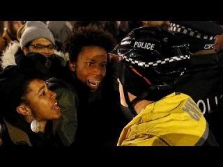 Видео убийства афроамериканца полицей вызвало протесты в Чикаго