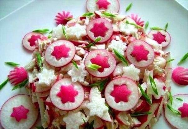 Украшение салатов из редиса фото