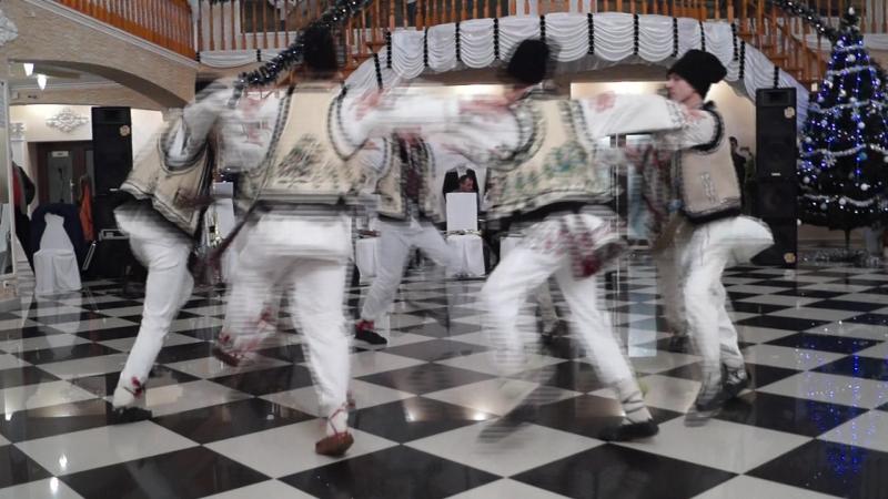 """Colectivul de dansatori """"GHIOCEL"""" din Horbova"""