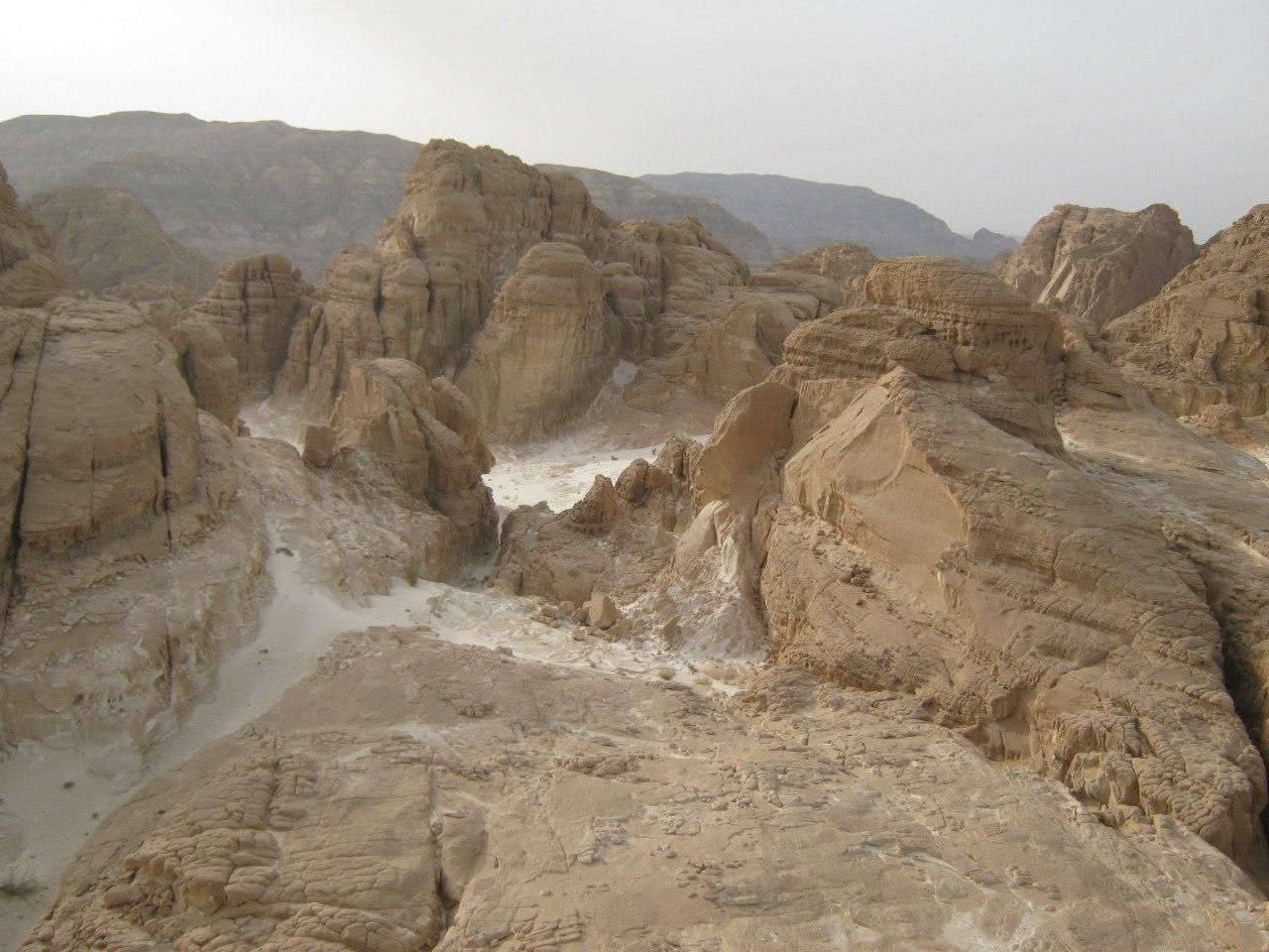 с восточной стороны Синайского полуострова.
