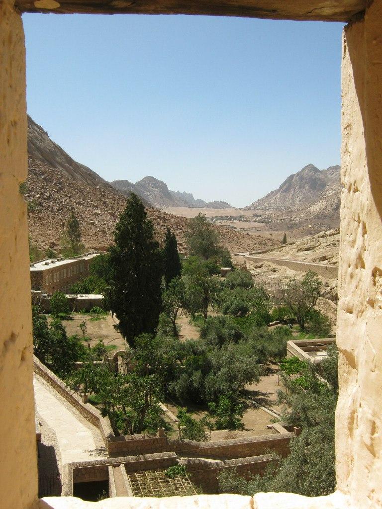 Вид из окна монастыря Святой Катерины