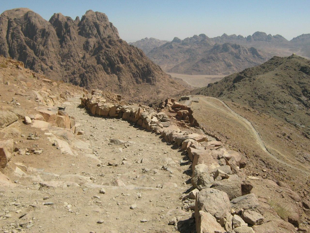Главная тропа на гору Моисея