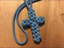 Paracord Cross (Vertical Crown Knot or Double Crown Sinnet)