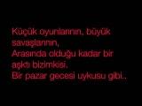 Model ft. Emre Aydin - Pazar Kahvaltisi Lyrics