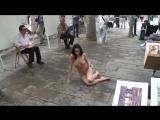 gwenc nude in public barcelona 04