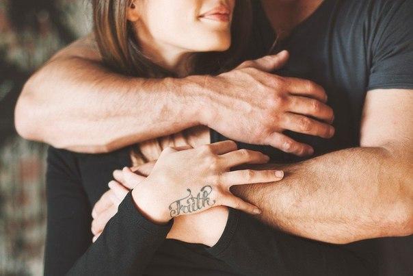 Больше всего на свете мы хотим, чтобы нас обняли. И сказали, что всё будет хорошо.