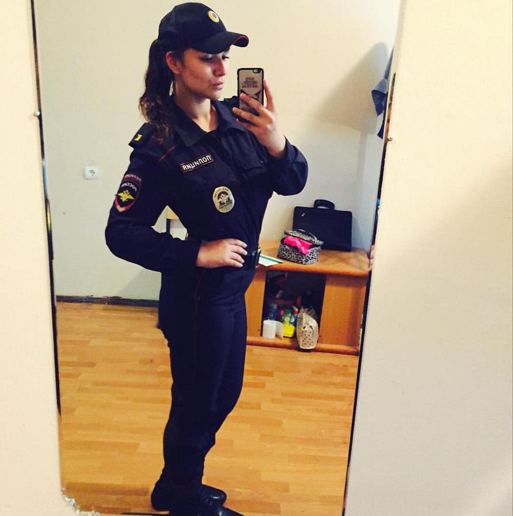 Полиция на аву