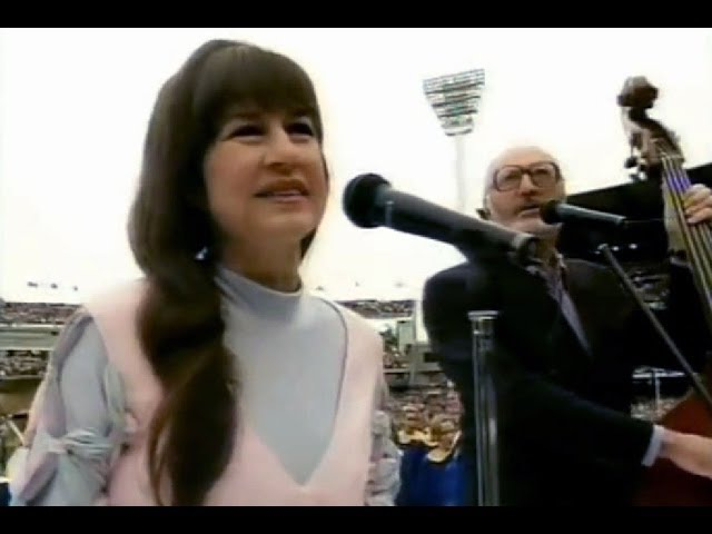 The Seekers - I Am Australian, Georgy Girl, Waltzing Matilda, (Live, 1994, Aus National Anthem!)