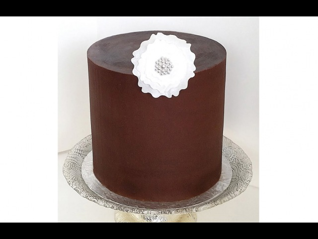 Frosting a Cake with Ganache - With Straight Sides Sharp Edges - Frosting a Double Barrel Cake