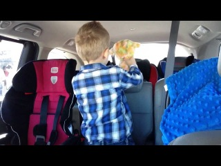 3-yr-old Sings Star Wars With Natural Vibrato