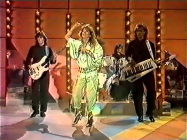 SANDRA - Innocent Love (Live Tele-Illustrierte 1986)