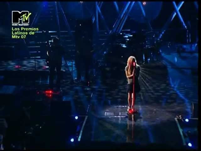 Avril Lavigne - When You're Gone Girlfriend (Live @ MTVLA 18.10.2007)