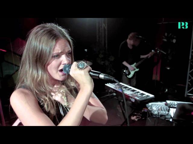Tove Lo - Habits - Live i Musikguiden P3 Session