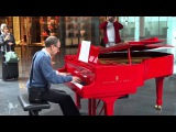 Пианист в мюнхенском аэропорту
