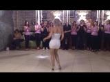 !!!Шикарная!!! супер танец попой