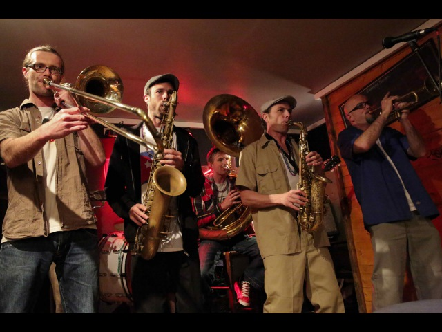 Out Of Nola (Brass Band) playing Shut Up Juice @ Le Bar'hic (Rennes)