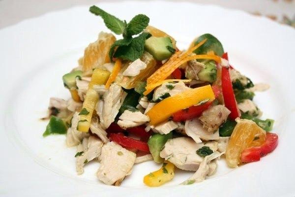 Калифорнийский куриный салат 75 ккал на 100 гр Ингредиенты на 4 порции: