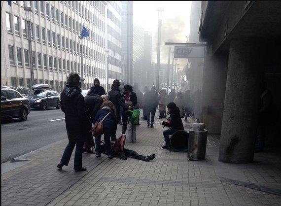 В аэропорту и метро Брюсселя прогремели взрывы: не менее 21 погибшего и десятки раненых. Причастны братья из Беларуси! UP